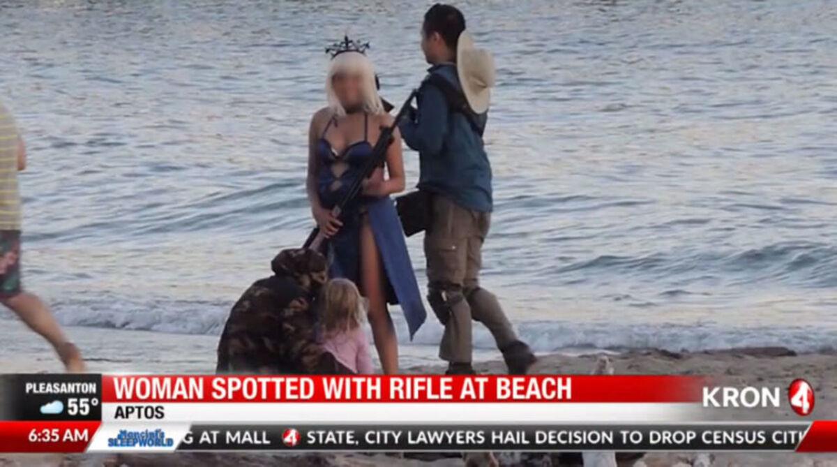 日本ならスルーされてそう〜リアルニュース・FGOコスプレ〜米カリフォルニア州の海岸で今月2日、 セイバー(騎オルタ)の格好をした女性コスプレイヤーが警察に通報される出来事があった。